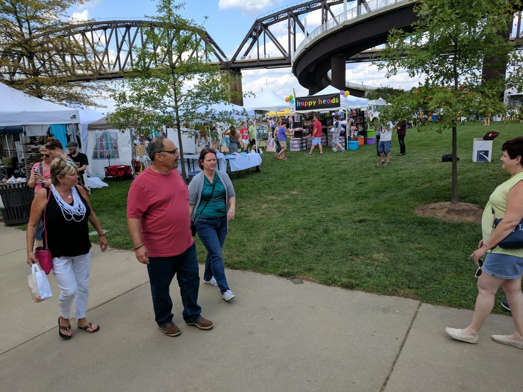 Big Four Arts Festival on Big 4 Bridge Art Music Louisville food and Fun Kid event in Kentucky (161)