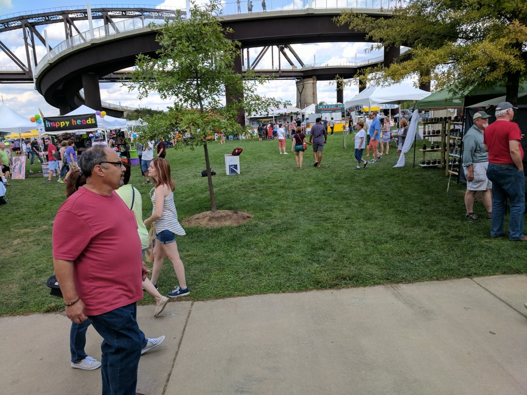 Big Four Arts Festival on Big 4 Bridge Art Music Louisville food and Fun Kid event in Kentucky (163)
